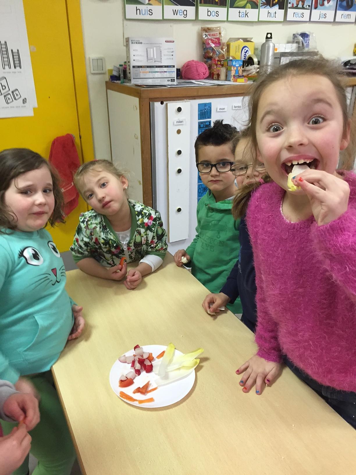 Verrassend thema gezonde voeding in L1 | BS De Tuimelaar De Panne AA-06